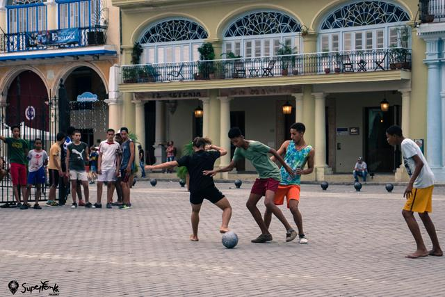 Kuba z plecakiem (74)